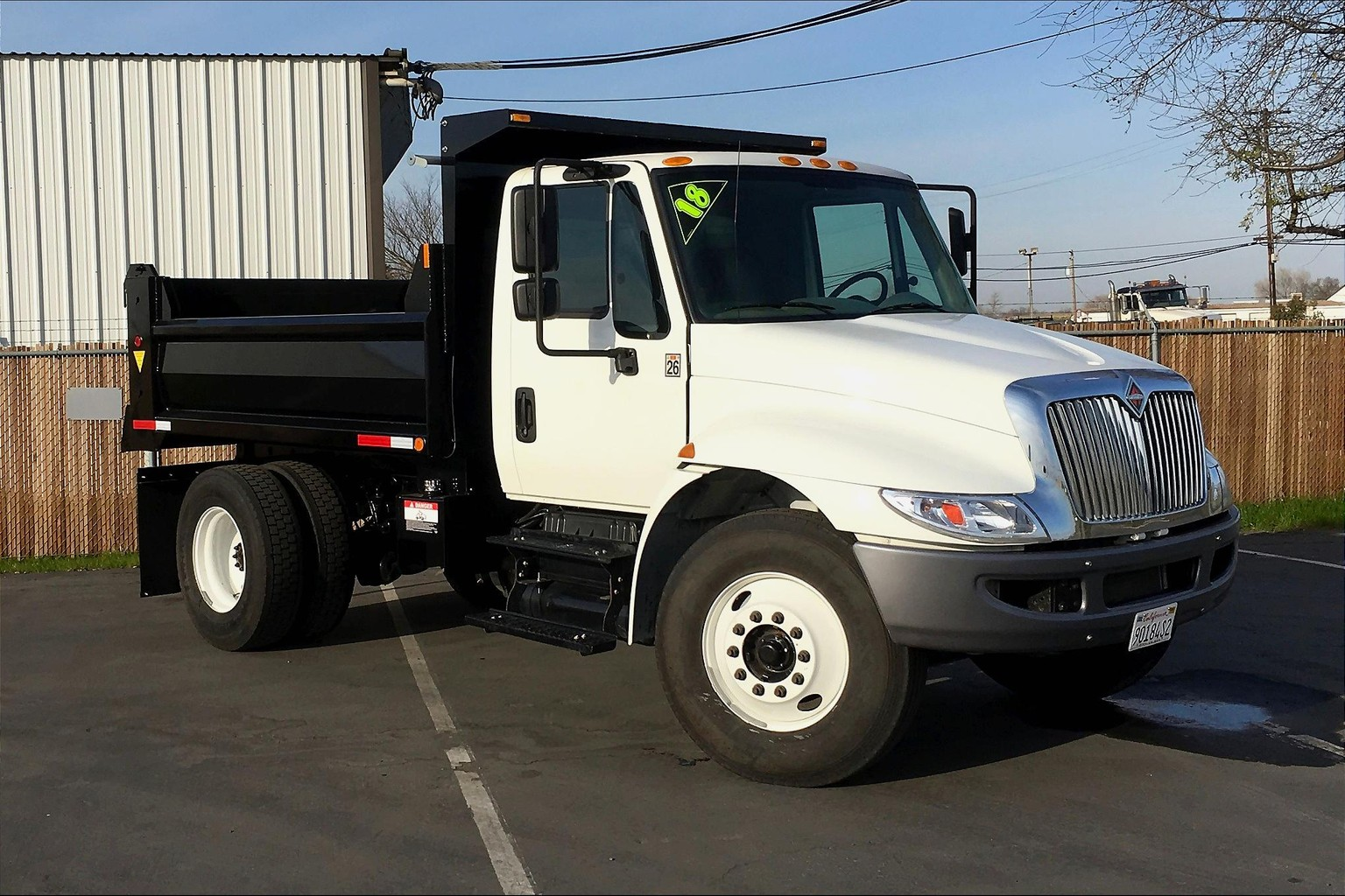 2018 International 4300 SBA 4X2