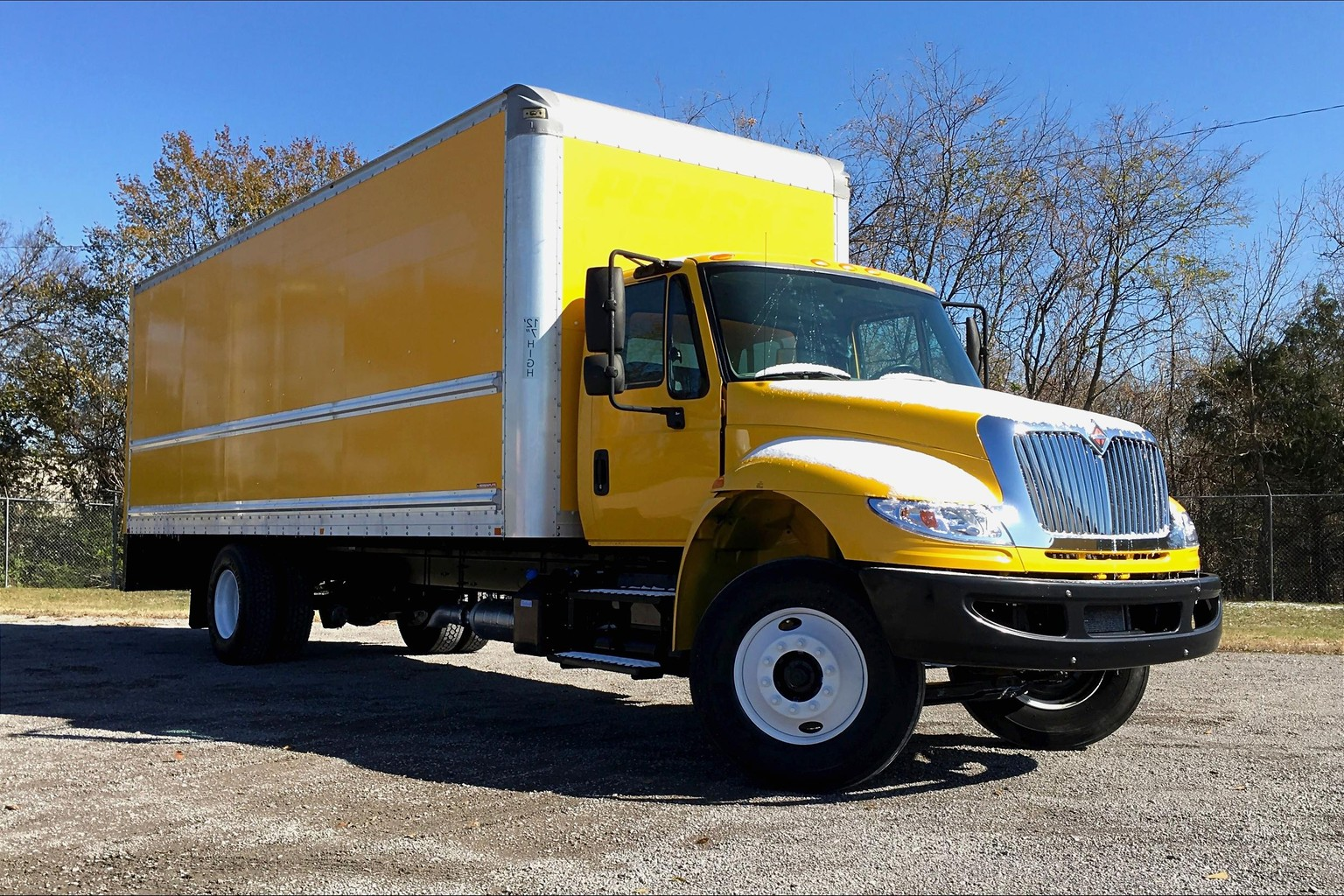 Pre-Owned 2015 International 4300 SBA 4X2 Medium Conventional