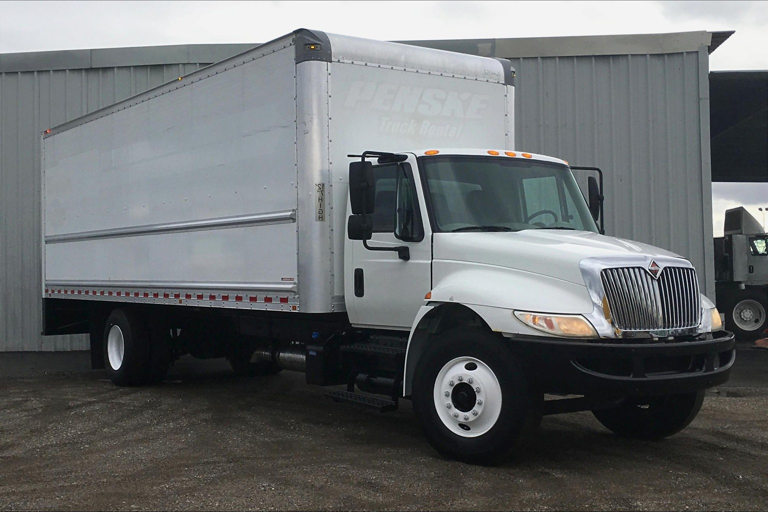 Pre-Owned 2016 International 4300 SBA 4X2 Medium Conventional