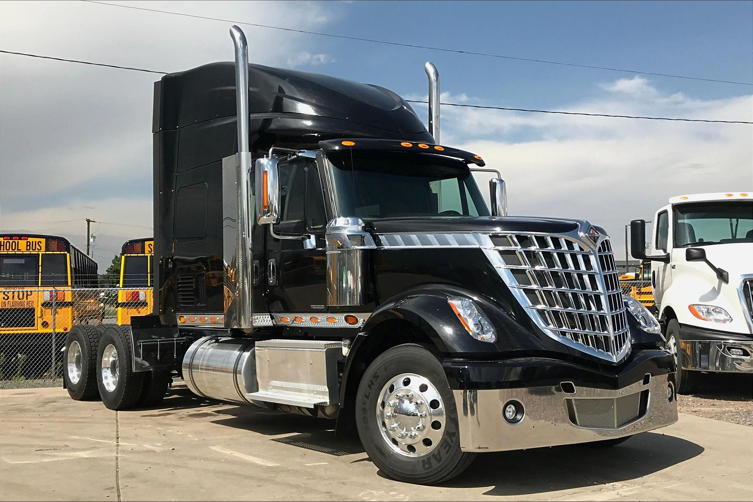 2015 International LONESTAR SFA 6x4