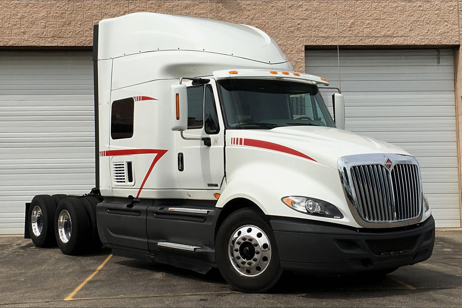 Pre-Owned 2016 International PROSTAR+ 122 6x4 Sleeper