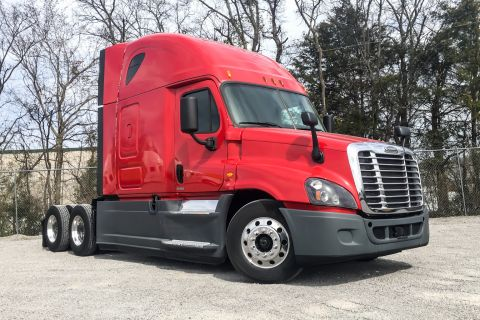 Pre-Owned 2015 Freightliner Corp. PX12564 Sleeper